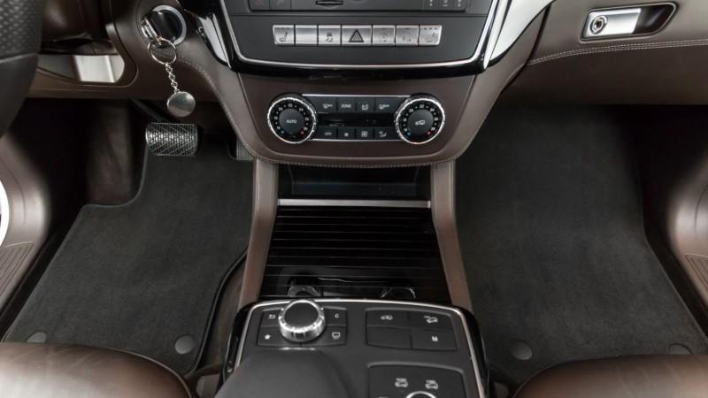 Uekstilni tepisi za auto imaju prednost što se prilagođavaju svim interijerima automobila